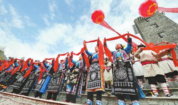 汶川地震灾区文化重建与发展振兴报告:十年涅槃 文化凝聚磅礴力量