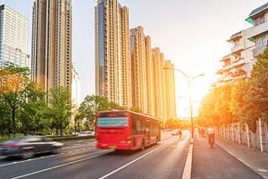 """""""掐表坐公交""""线路增多了 成都今起新增8条按时刻运行公交线路"""
