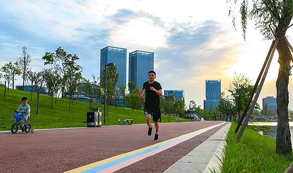 在成都之南,跑出美丽宜居公园城市的绿色轮廓