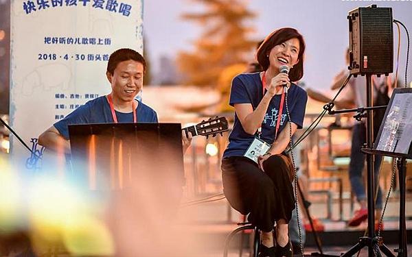 国社@四川 成都:街头音乐让城市更浪漫
