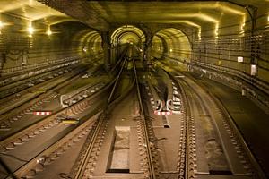 成都地铁3号线三期全线长轨通 预计年底开通运行