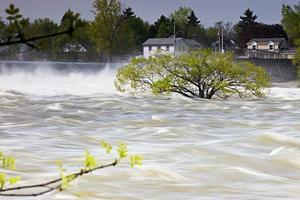 国社@四川|财政部、应急管理部下拨1.7亿元支援川甘两省应对暴雨洪涝灾害