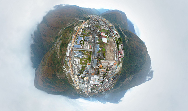 新华网VR|小镇相册之我是四川磨西镇