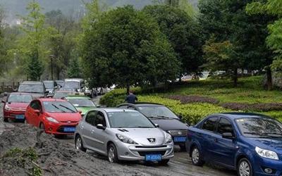 国社@四川|四川阿坝已抢通多处泥石流损毁公路